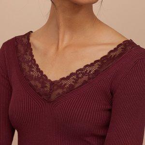 H&M Divided Burgundy Ribbed Lace V-neck